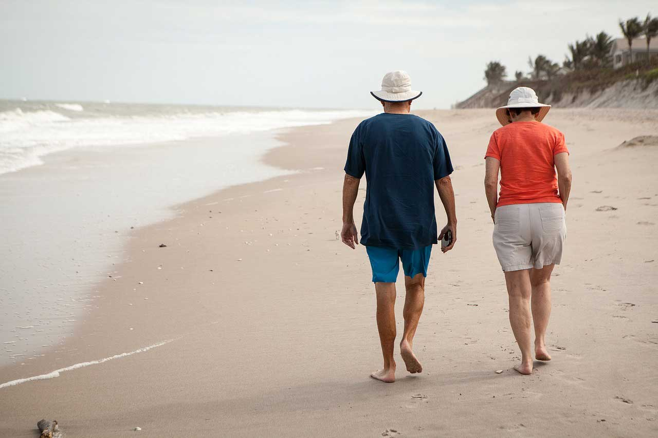Senior meal plans help seniors stay active and independent and enjoy activities such as walking the beach in the Naples, Fort Myers, FL area